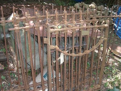 Antique Iron Gate Victorian Loop fence style 1800's 3