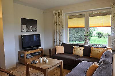 Reetgedecktes Ferienhaus direkt am Wasser nahe der Insel Usedom - Freie Termine!