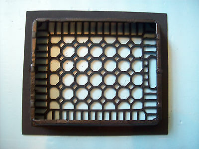 "No Fins Simple honeycomb heating grate cast iron 10"" x 12"" insert (G 384) 2"