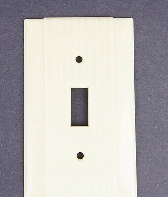 Vtg Hubbell Switch Cover Plate Deco Fine Ribbed Ivory Single Gang Toggle 2