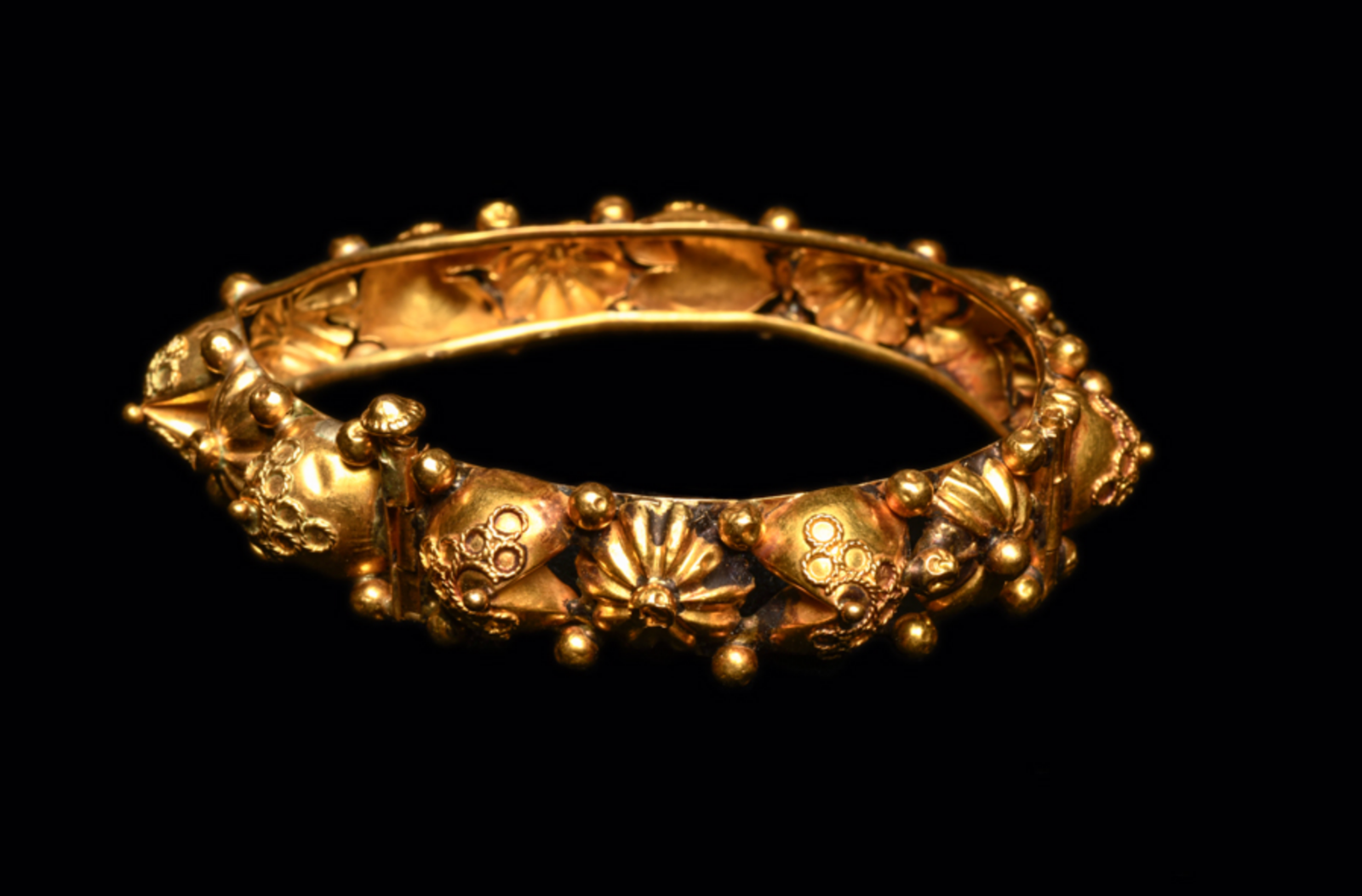 Ancient Byzantine Gold Bracelet Ca. 7th-12th century A.D. Medieval Jewelry 3