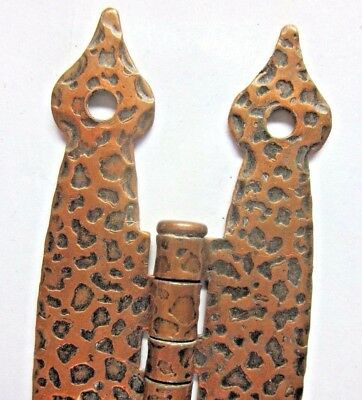 1 Antique Face Mount Butterfly Hinge Hammered Leopard Copper Colonial Spade Ends 2