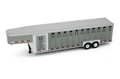 1:64 GreenLight *GUN METAL GRAY* Vertical 3 Hole Side LIVESTOCK TRAILER NIP 2