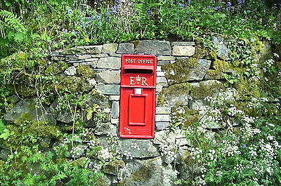 ER Royal Mail Post Box ER II Pillar Box Red Cast Iron Post Box Post Office Box