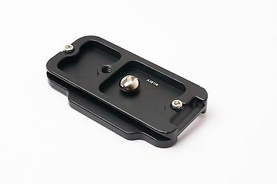 SunwayFoto PC-7DIIR Quick Release Plate for Canon 7DII Camera  (#2393)