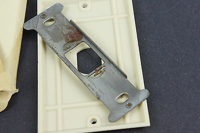 Vintage Deco Uniline Ivory Despard Switch Cover Plate NOS single Gang Vertical 5