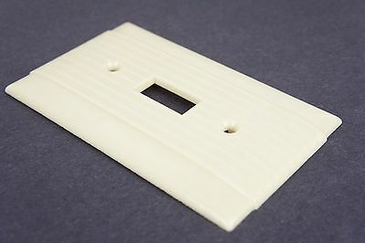 Vtg Hubbell Switch Cover Plate Deco Fine Ribbed Ivory Single Gang Toggle 5