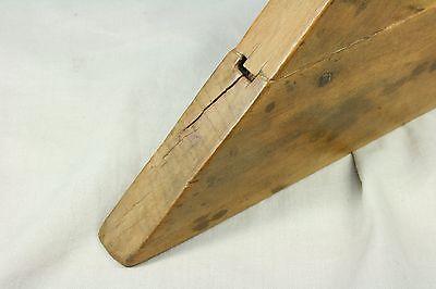 Nivel horizontal de madera. Raro. S. XVIII 9
