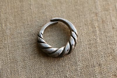 Excellent  RARE Viking SILVER Twisted Ring 9-10 AD 6