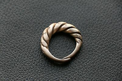 Excellent  RARE Viking SILVER Twisted Ring 9-10 AD 10