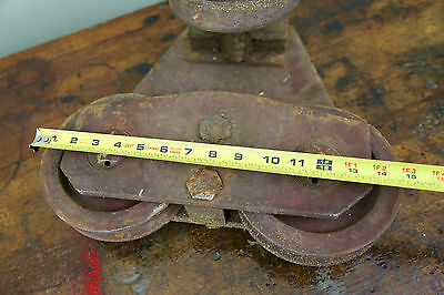 Vintage BROWN HOISTING MACHINERY CO Industrial 4000lb Barn Door Roller Cast Iron 11