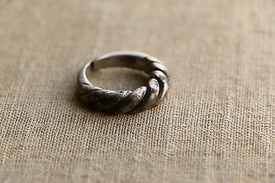 Excellent  RARE Viking SILVER Twisted Ring 9-10 AD 8