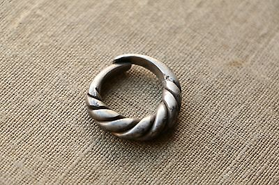 Excellent  RARE Viking SILVER Twisted Ring 9-10 AD 2