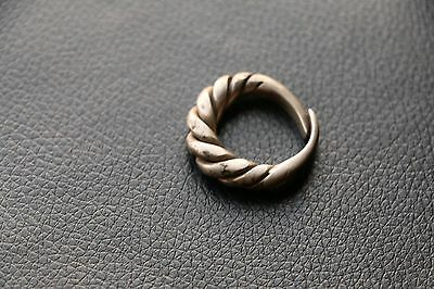 Excellent  RARE Viking SILVER Twisted Ring 9-10 AD 11