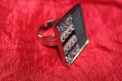 bague/ring carrée cuir rose clair et strass, paillettes argentées - originale!!!