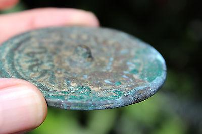 Islamic bronze mirror with Arabic ornaments, 700-800 AD, 6.5 cm 6