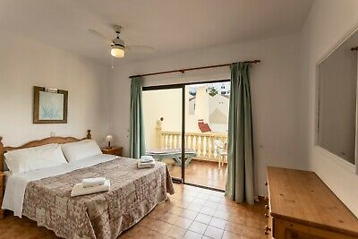 MAKE AN OFFER - TENERIFE 2 bedroom poolside villa, 5