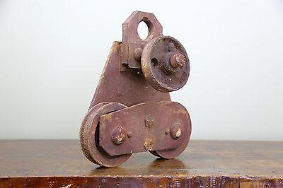 Vintage BROWN HOISTING MACHINERY CO Industrial 4000lb Barn Door Roller Cast Iron 6
