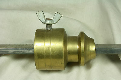 Romana de 60 Kg. Acero y bronce. Roman of 60 Kg. Steel and bronze