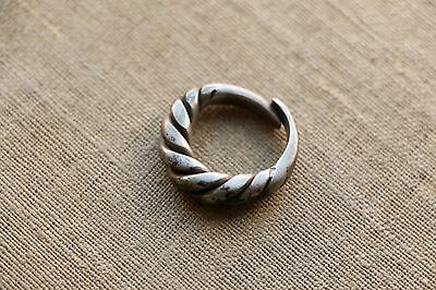 Excellent  RARE Viking SILVER Twisted Ring 9-10 AD 7