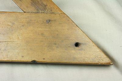 Nivel horizontal de madera. Raro. S. XVIII 6