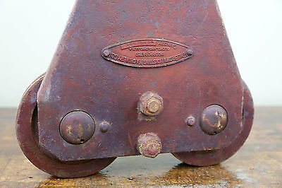 Vintage BROWN HOISTING MACHINERY CO Industrial 4000lb Barn Door Roller Cast Iron 3