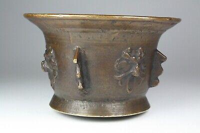 Mörser Rippenmörser mit Hund-/Wolfsköpfen Bronze, Spanien 17. Jhd. (545) 4