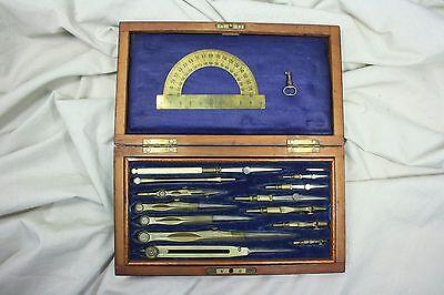 Caja de compases de doble piso. S.XIX. Compas box double floor. Drawing box 2