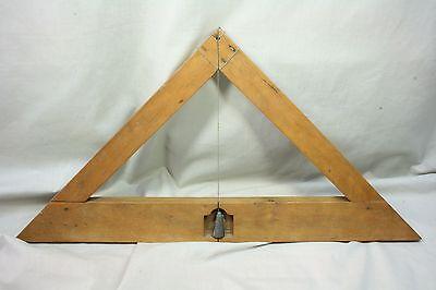 Nivel horizontal de madera. Raro. S. XVIII 2
