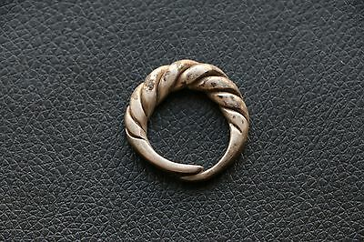 Excellent  RARE Viking SILVER Twisted Ring 9-10 AD 9