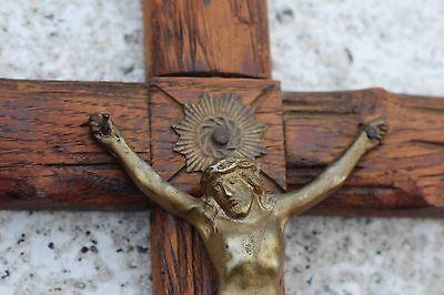 Antique Art Brass on Sculpted Wood Wall Crucifix Cross Jesus Christ INRI 4
