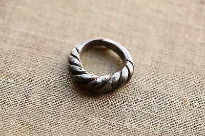 Excellent  RARE Viking SILVER Twisted Ring 9-10 AD 4