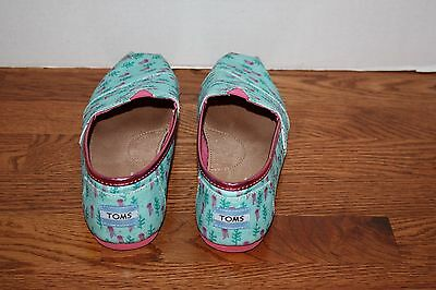 ce7544273cd4 ... Girls TOMS Classic Jelly Fish Blue Pink Sparkly Flats Shoes Size 6 Youth  3