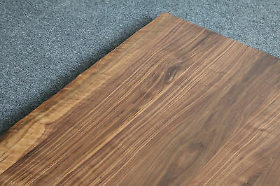 tischplatte platte nussbaum platte massiv holz mit baumkante neu leimholz brett eur 699 00. Black Bedroom Furniture Sets. Home Design Ideas