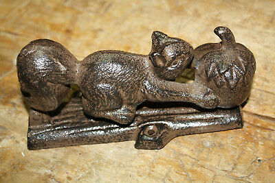 Cast Iron Antique Style SQUIRREL Acorn Door Knocker Nut Cracker Man Cave Garden 2