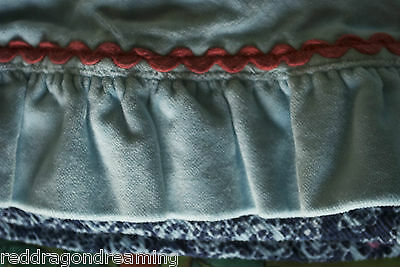 NEW - Oilily Skirt -  AGE 4 years - embroidery on warm velvet cotton NEW 7
