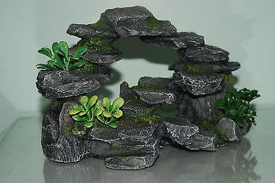 Aquarium Realistic Rocky Arc & Plants Ornament 25 x 16 x12 cms For All Aquarium 3