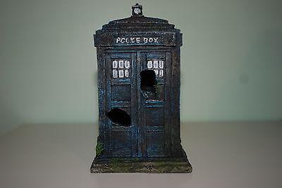 Stunning Aquarium Old London Police Box  Ornament 11 x 10.5 x 17.5 cms
