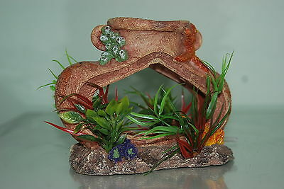 Aquarium Old Pot complete with Airstone For Bubble Effect Decoration 14x7x11 cms 3