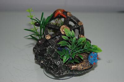 Aquarium Reef Rock + Suckers With Sunken Wheel 10 x 8 x 15 cms 4