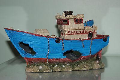 Stunning Aquarium Detailed Blue Sea Trawler Boat 29 x 11 x 17.5 cms 4