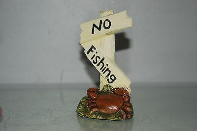Aquarium Crab No Fishing Sign Size 7 x 5 x 13 cms Suitable For All Aquariums 3