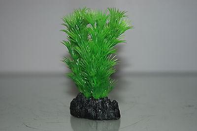 Aquarium Plant Hornwort Green Plastic  Plant 13cms High Suitable for all Tanks 2