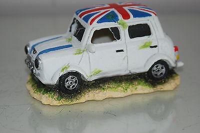Aquarium White Mini Cooper Decoration & Bubble Exhaust Size 13 x 7 x 7 cms 3