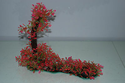 Aquarium Realistic Plastic Plant 7 x 25 x 23 cms On Flat Base Red & Green Plant 4