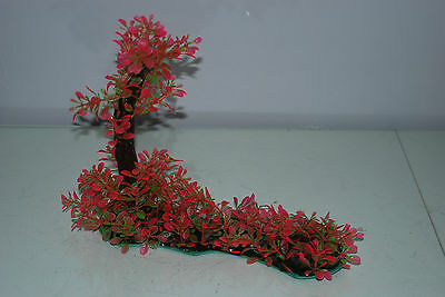Aquarium Realistic Plastic Plant 7 x 25 x 23 cms On Flat Base Red & Green Plant 3