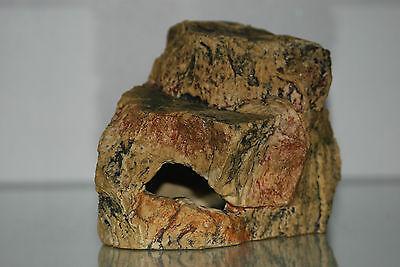 Medium Aquarium Cave Rock Decoration Realistic Design 18 x 12 x 12 cms 4