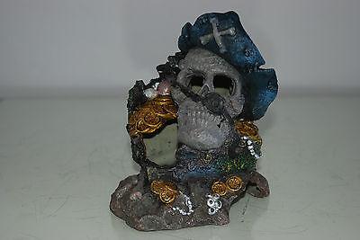 Aquarium Detailed Medium Pirate Skull With Treasure Decoration 12 x 9 x 15 cms 2