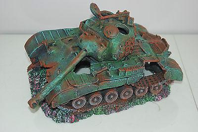 Stunning Aquarium Large Battle Tank Decoration 34 x 21 x 21 cms 9
