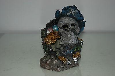Aquarium Detailed Medium Pirate Skull With Treasure Decoration 12 x 9 x 15 cms 5